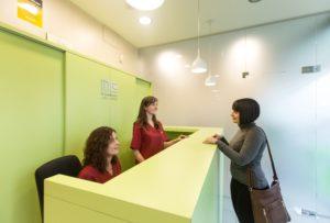 Què fa que una primera visita al Centre Dental M. Castellsagué sigui d'alta qualitat? 2